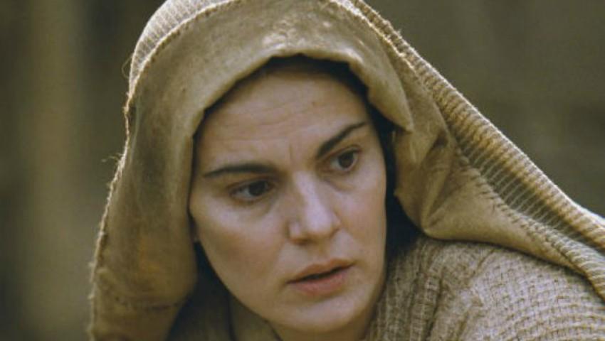 Foto: Ce spune Maia Morgenstern despre faptul că oamenii se roagă la chipul ei într-o catedrală din Bogota?
