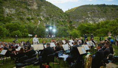 Voci de aur la unicul festival de operă în aer liber – DescOPERĂ! Află care sunt surprizele muzicale din fiecare zi a evenimentului!