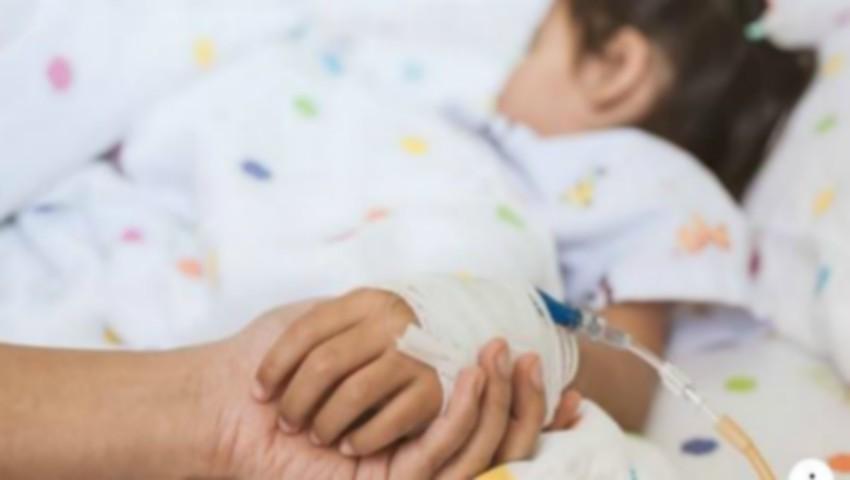 Foto: O fetiță de 3 ani s-a stins în condiții neelucidate. Părinții acuză medicii