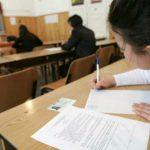 Foto: Nota 10 din oficiu. Doi elevi din țară vor fi scutiți de examenul de bacalaureat