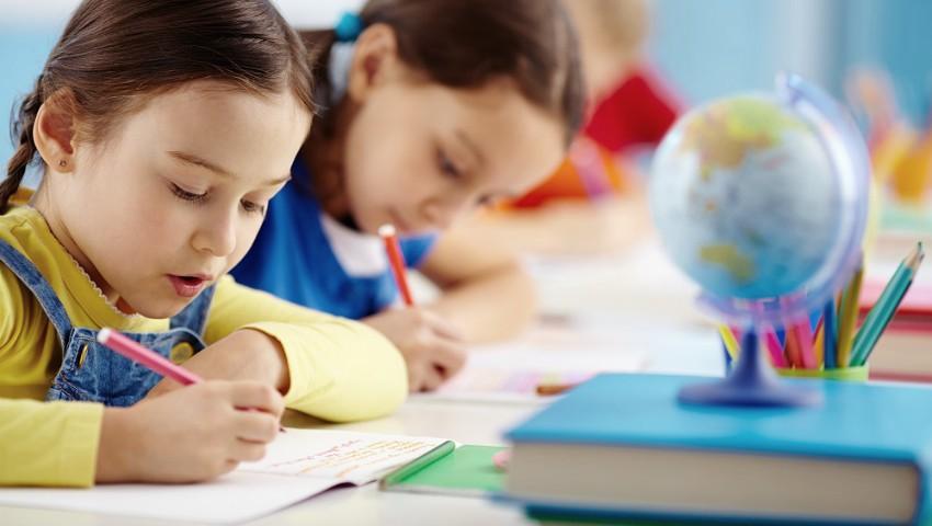 Foto: De astăzi, Guvernul României oferă alocații mai mari pentru copii
