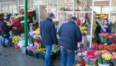 Comercianţii de flori vor fi verificaţi în perioada ultimului sunet