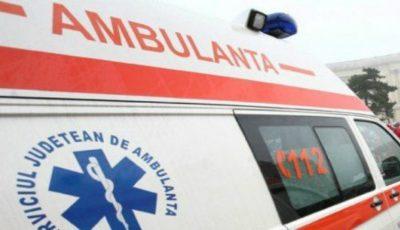 Trei copii au ajuns la spital, după ce mama lor i-a spălat pe cap cu o substanță toxică