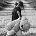 """Foto: """"Iubește-ți copilul în orice ipostază – netalentat sau ghinionist"""".  10 principii ale celebrului educator Janusz Korczak"""