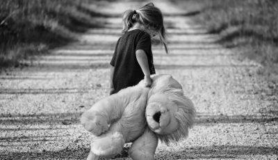 """""""Iubește-ți copilul în orice ipostază – netalentat sau ghinionist"""".  10 principii ale celebrului educator Janusz Korczak"""