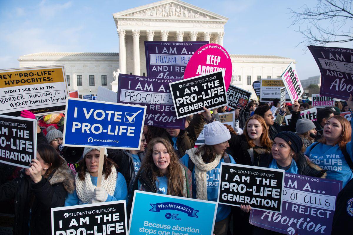 Foto: Cea mai severă lege din Statele Unite  interzice avortul!  Pedeapsa ar putea ajunge la 99 de ani de închisoare!