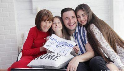 Emilian Crețu: De la lejancă la propriul apartament! Sau cine îi numără actorului banii