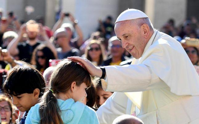 Foto: Papa Francisc, despre avort: E ca angajarea unui asasin plătit!
