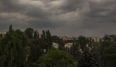 Cod galben de vijelii, ploi torenţiale şi grindină  în Moldova