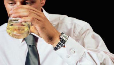 Cercetătorii au explicat în cât timp iese alcoolul din sânge în funcţie de băutură!