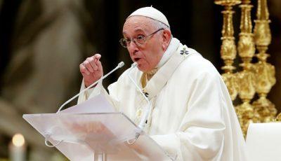 Papa Francisc încurajează educația sexuală în școli