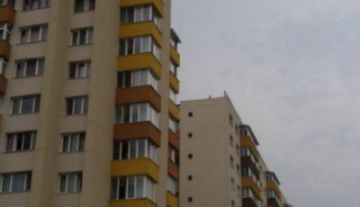 O bătrână de 90 de ani din Bălți, a căzut în gol de la etajul nouă