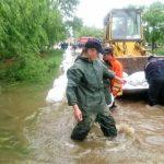 Foto: Risc de inundaţii la Ungheni. Salvatorii, poliţiştii şi autorităţile locale întreprind acţiuni de urgenţă