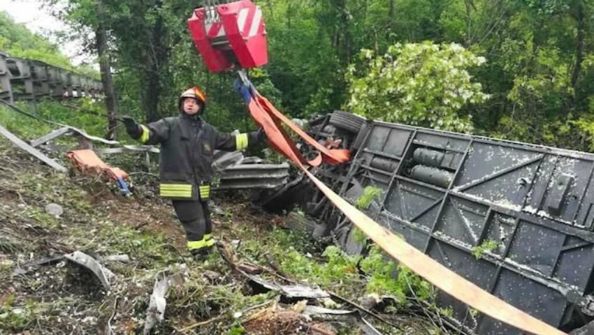 Un autocar s-a răsturnat în Italia. Printre victime sunt și moldoveni