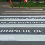 Foto: În Chișinău apar primele treceri de pietoni inscripționate cu mesaje
