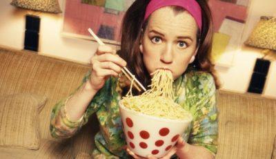 Cum scăpăm de mâncatul emoţional şi dependenţa de zahăr