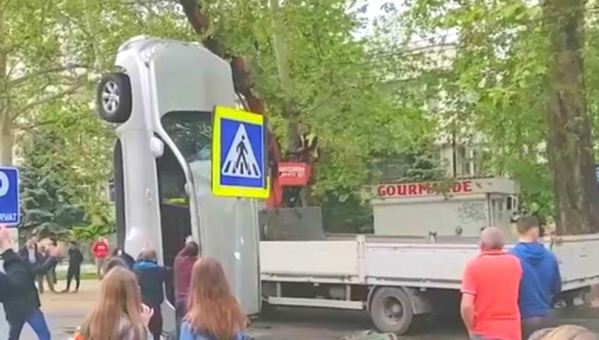 Foto: Accident violent în centrul Capitalei