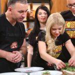 """Foto: O familie din Chișinău cucerește jurații show-ului """"Chefi la cuțite"""", cu o celebră rețetă rusească!"""