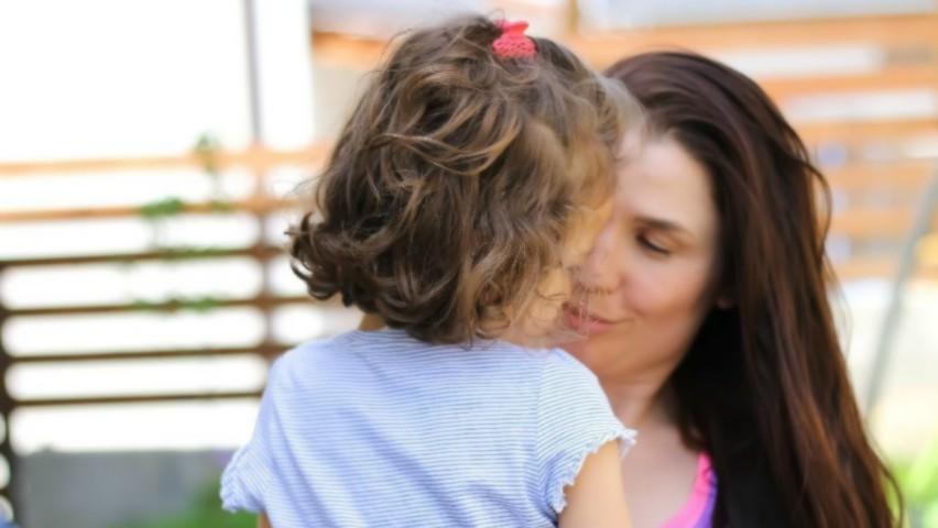 Foto: Psiholog: o mamă are voie să plece în vacanță fără copii, cel puțin o dată pe an
