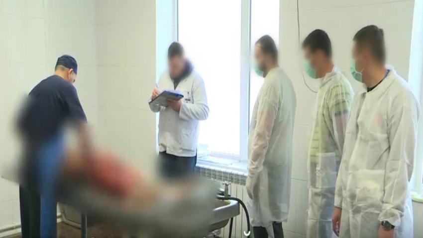 Foto: Şoferii prinşi băuți la volan spală cadavre la morgă