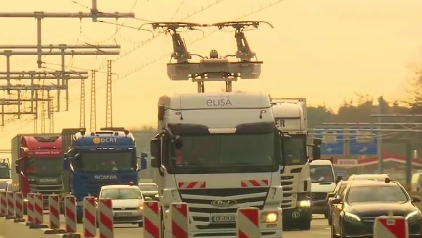 Foto: În Germania, a fost deschisă prima autostradă electrică pentru camioane. Video
