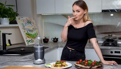 Ana Cernicova adoră culoarea neagră chiar și în bucătărie!