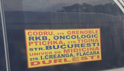 Plăcuțele de informare afișate pe microbuzele din capitală abundă în greșeli de limbă!