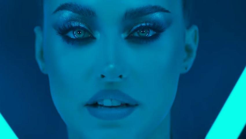 Foto: Antonia, deghizată în bărbat în cel mai nou videoclip! Artista a lansat o producție futuristă
