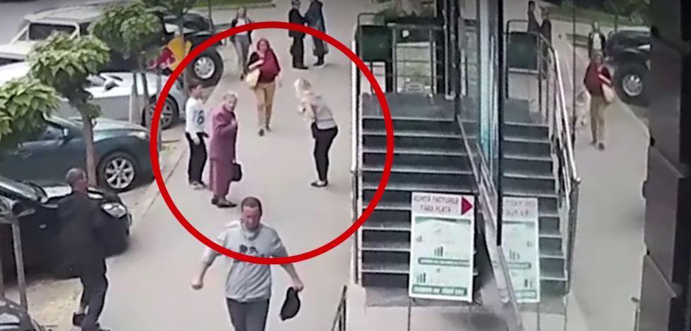 Foto: Bărbatul care a lovit două femei pe stradă suferă de tulburări psihice