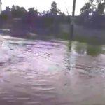 Foto: Ploaia torențială a ajuns în Capitală. Tunete, fulgere și străzi inundate