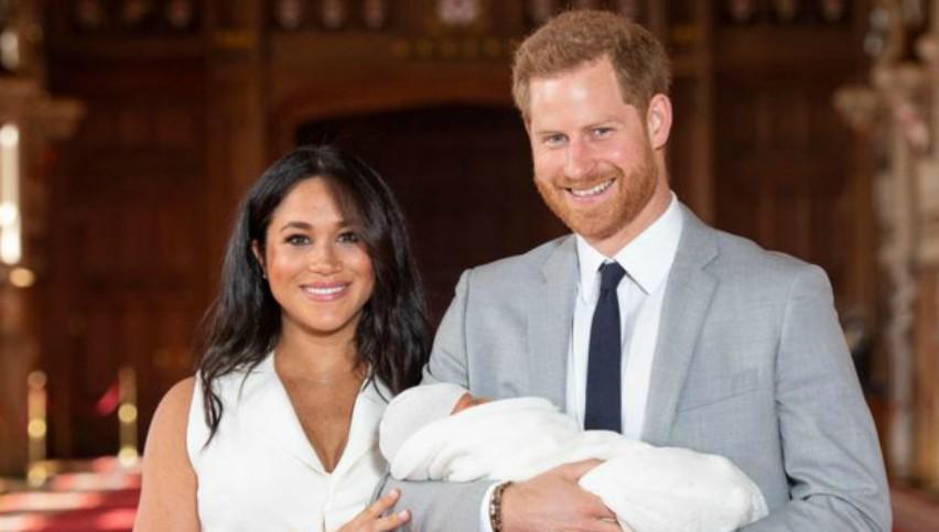 Foto: Primele imagini cu bebelușul regal. Vezi cu cine seamănă