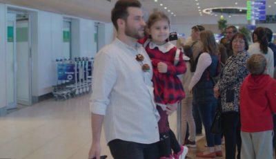 """,,Veniți acasă cât cei dragi mai sunt în viață!"""". Filmulețul care îi îndeamnă pe moldovenii plecați în străinătate să revină mai des acasă"""