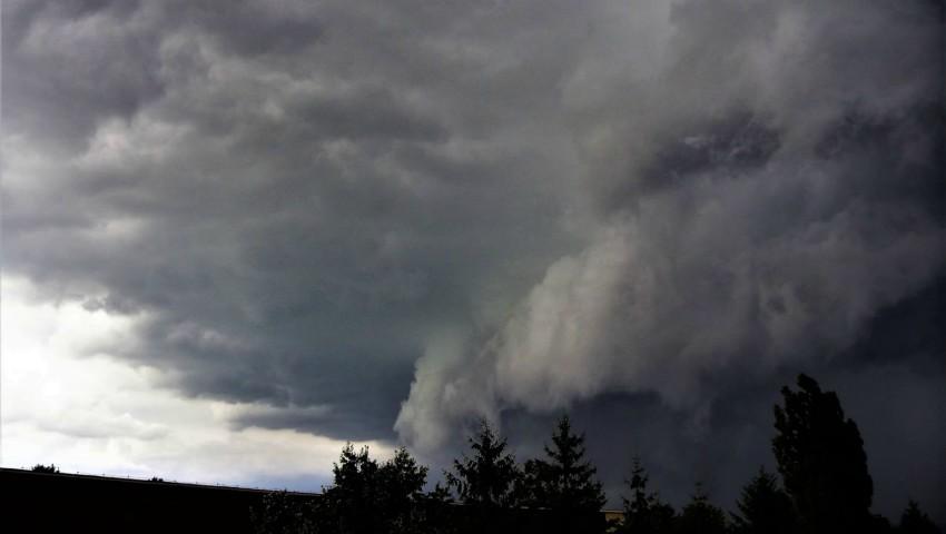 Foto: Alertă! Cod galben de ploi puternice și inundații în Moldova