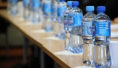 A fost inventat un nou tip de plastic care poate fi reciclat la nesfârşit
