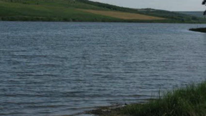Foto: Un copil, din raionul Florești, s-a înecat în lacul din localitate
