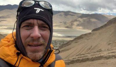 Un moldovean a escaladat Everestul, cel mai înalt punct de pe planetă, la 8848 metri