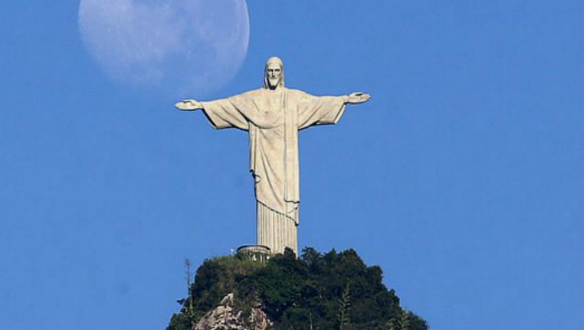 Foto: Uluitor! În Argentina, a apărut pe cer imaginea lui Iisus Hristos