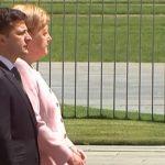 Foto: Video. Imagini șocante cu Angela Merkel. I s-a făcut rău în timpul unei ceremonii oficiale