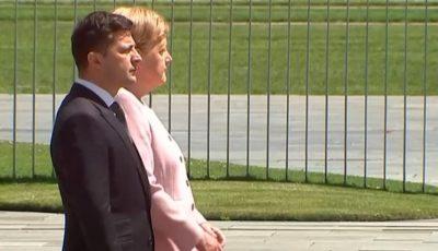 Video. Imagini șocante cu Angela Merkel. I s-a făcut rău în timpul unei ceremonii oficiale