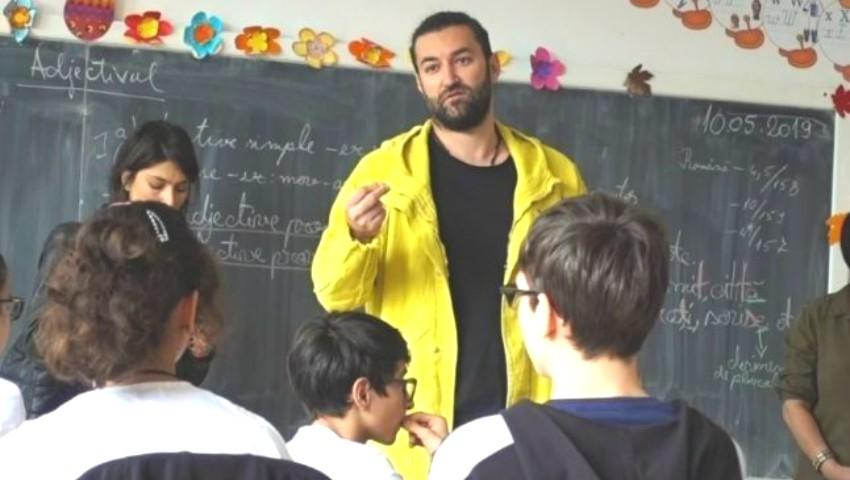 Foto: Smiley a făcut un gest emoţionant pentru un elev umilit la școală. Le-a ținut un discurs copiilor
