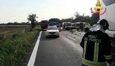 Accident grav în Italia. Un moldovean și fiica sa de 13 ani au murit, iar alți patru pasageri au fost răniți