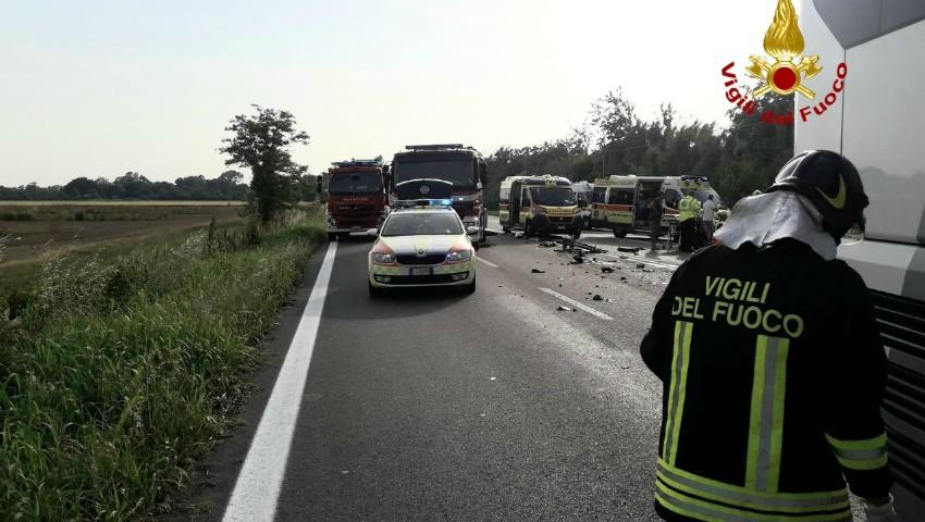 Foto: Accident grav în Italia. Un moldovean și fiica sa de 13 ani au murit, iar alți patru pasageri au fost răniți