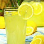 Foto: Cum să prepari o limonadă de vară? O alternativă sănătoasă pentru băuturile din comerț