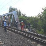 Foto: Un adolescent moldovean a suferit arsuri grave, în timp ce încerca să își facă un selfie în zona căilor ferate din Herăstrău