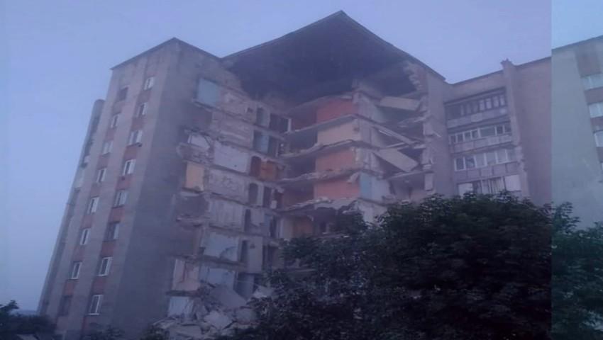 Foto: Cauzele care ar fi condus la prăbușirea blocului din Otaci. Locătarii au observat prima fisură încă luni și au alertat autoritățile