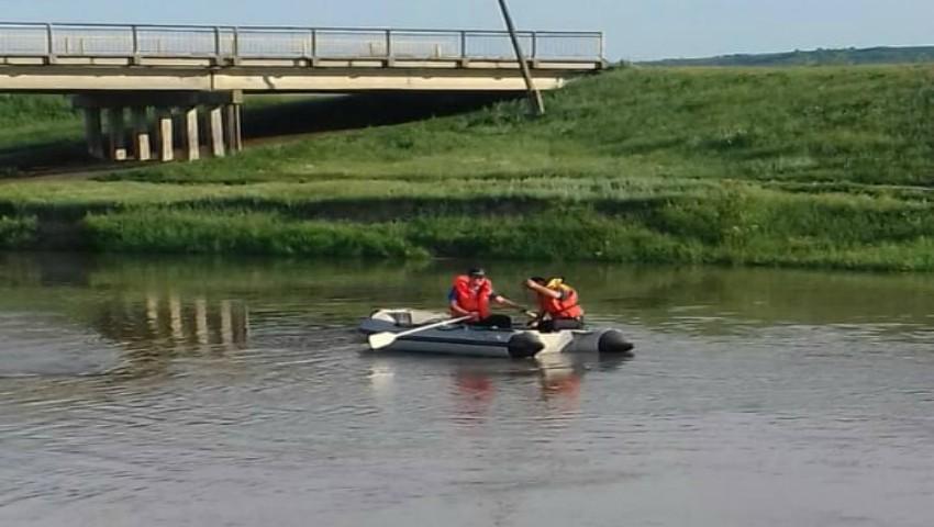 Foto: O fetiță de 12 ani s-a înecat în râul Răut. Aceasta, împreună cu sora sa, de 8 ani, se aflau la păscutul vitelor