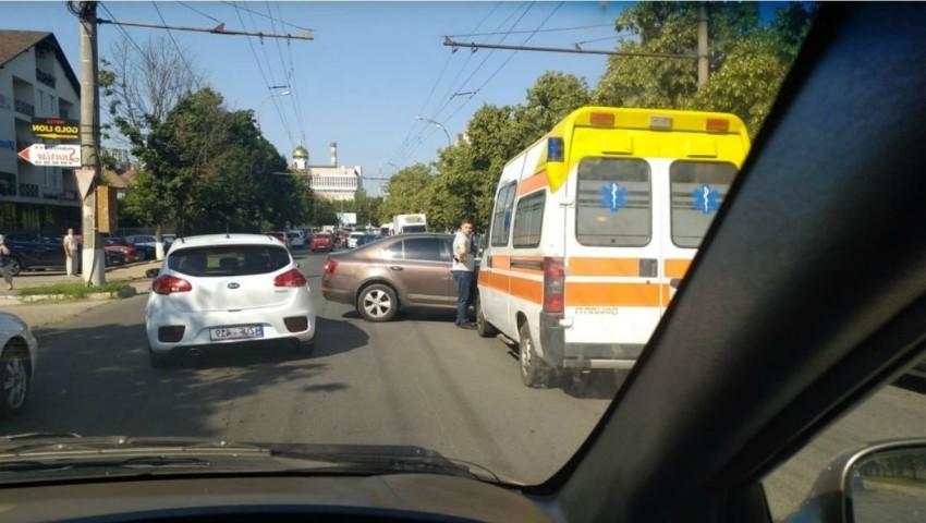 O femeie a fost tamponată mortal pe o trecere de pietoni din Capitală