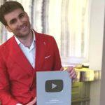 Foto: Bucurie pentru Ionel Istrati! Artistul a fost premiat de Youtube