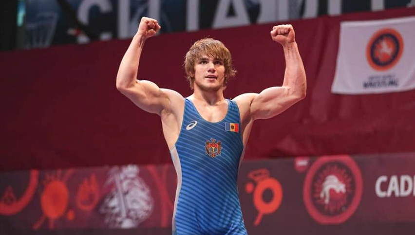 Foto: Moldoveanul Alexandru Guțu a câștigat medalia de aur la Campionatul European la lupte printre cadeți