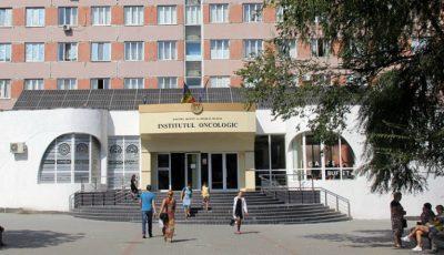 De trei luni, singurul aparat modern de radioterapie din Moldova este defectat. Institutul Oncologic explică motivul!